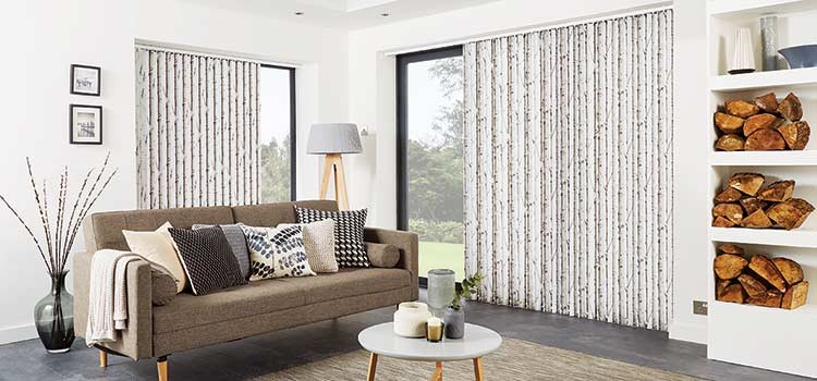 Blinds or curtains? How to choose the right solution for your windows